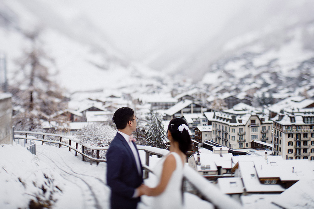 Engagement Session in the snow in Zermatt Switzerland :: Luxury wedding photography - 29