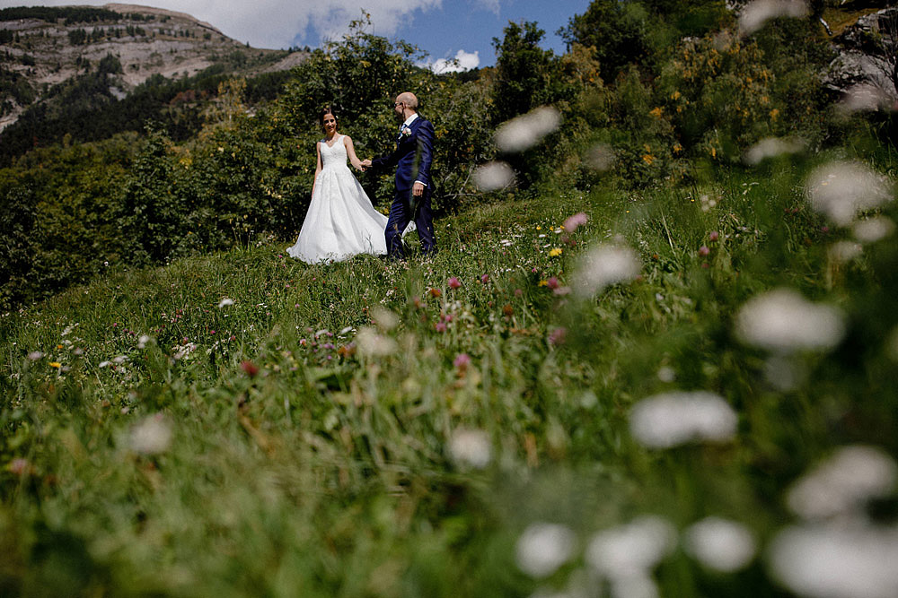 Un Matrimonio Colorato in Montagna | Ausserberg Svizzera :: Luxury wedding photography - 24