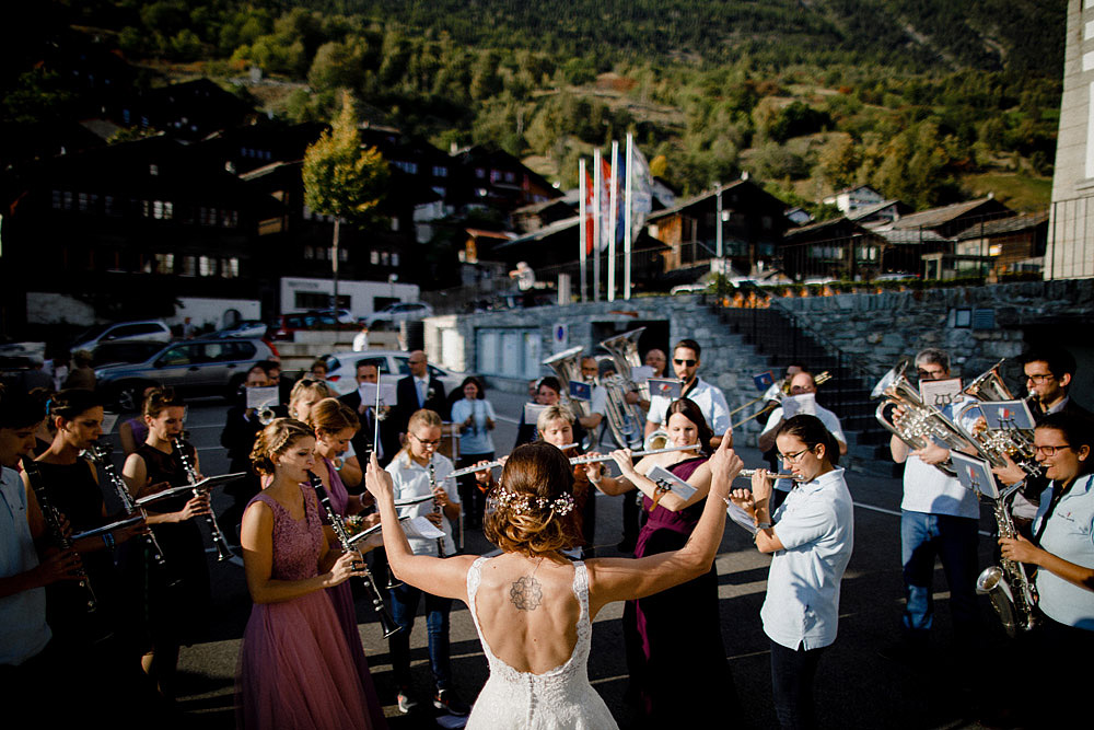 A Colourful Wedding in the Mountain | Ausserberg Switzerland :: Luxury wedding photography - 45