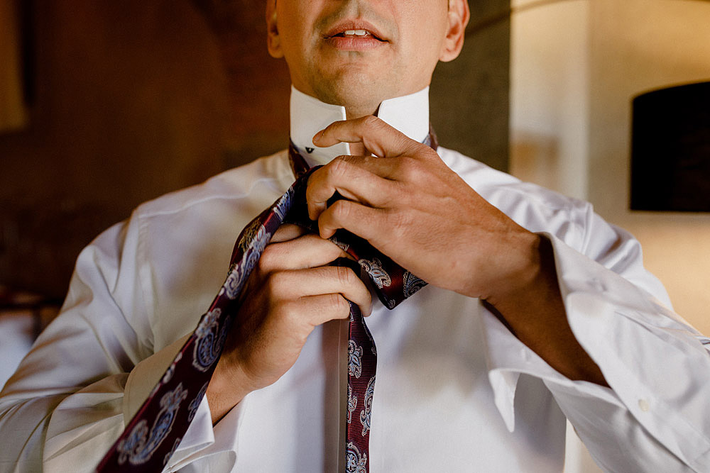Matrimonio in Toscana ispirato alla natura con tocchi di rosso e bianco :: Luxury wedding photography - 4
