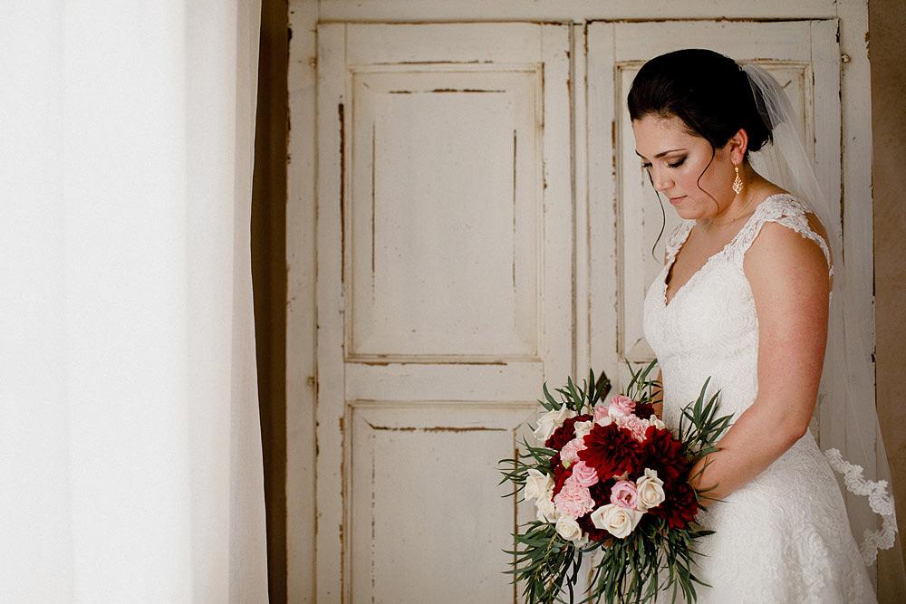 Matrimonio in Toscana ispirato alla natura con tocchi di rosso e bianco :: Luxury wedding photography - 15