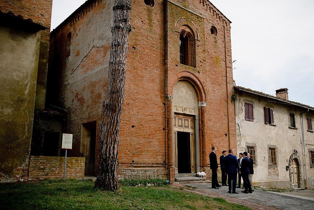 Matrimonio in Toscana ispirato alla natura con tocchi di rosso e bianco :: Luxury wedding photography - 19
