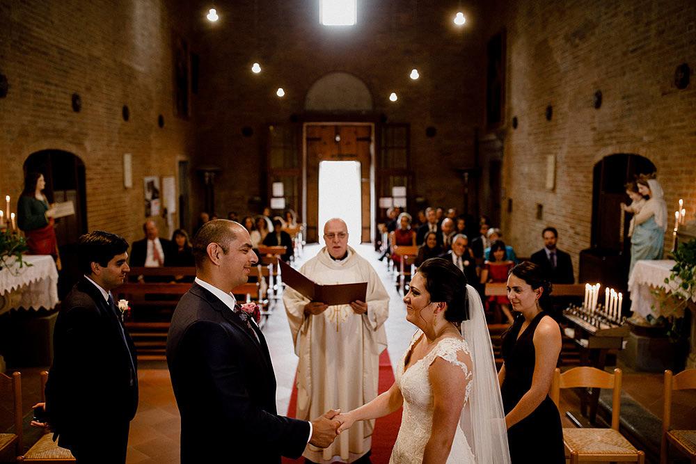Matrimonio in Toscana ispirato alla natura con tocchi di rosso e bianco :: Luxury wedding photography - 24
