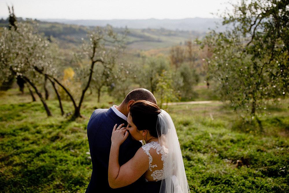Matrimonio in Toscana ispirato alla natura con tocchi di rosso e bianco :: Luxury wedding photography - 31