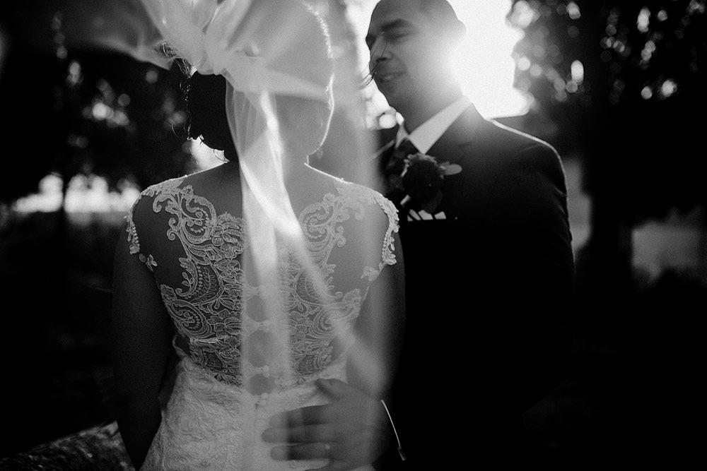 Matrimonio in Toscana ispirato alla natura con tocchi di rosso e bianco :: Luxury wedding photography - 38
