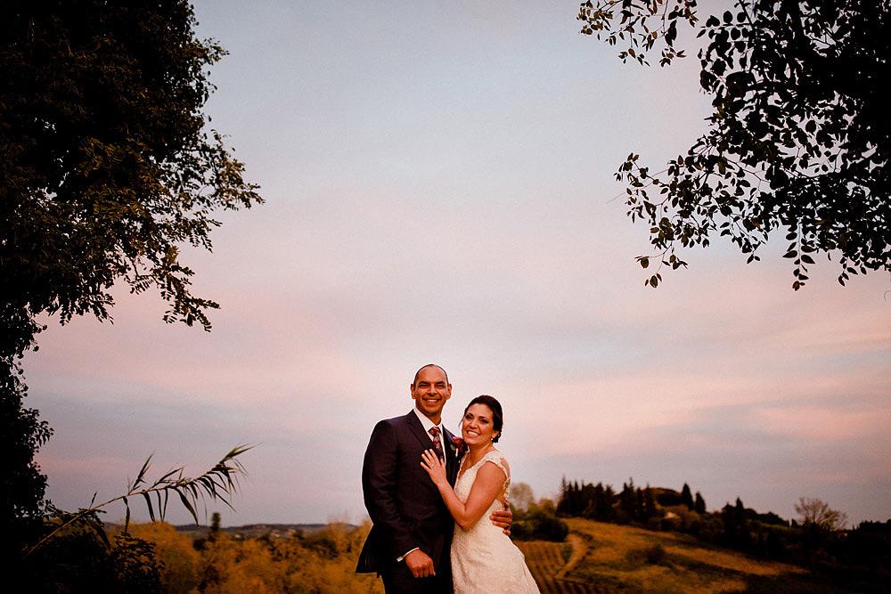 Matrimonio in Toscana ispirato alla natura con tocchi di rosso e bianco :: Luxury wedding photography - 43