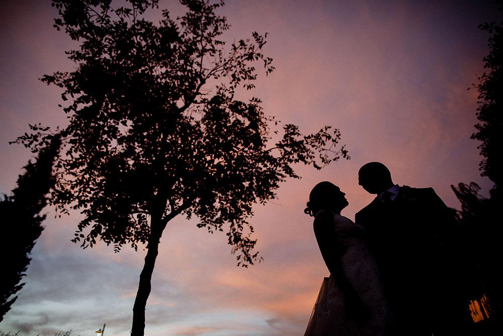 Matrimonio in Toscana ispirato alla natura con tocchi di rosso e bianco :: Luxury wedding photography - 44
