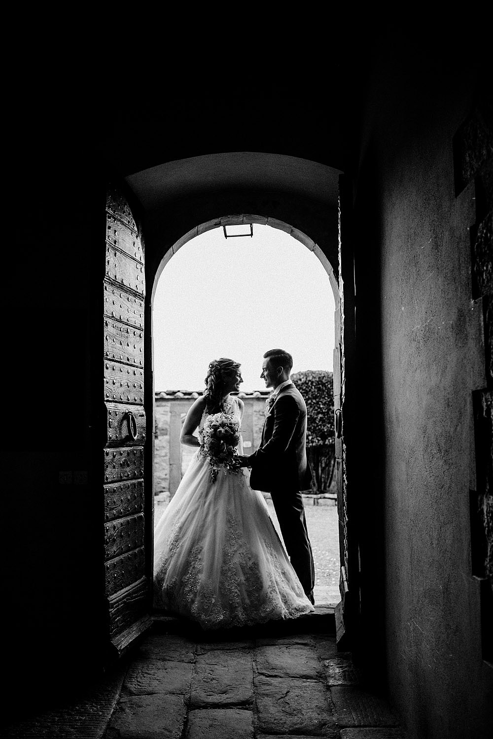 Matrimonio nel Chianti nell'incantevole atmosfera del Castello di Meleto :: Luxury wedding photography - 1