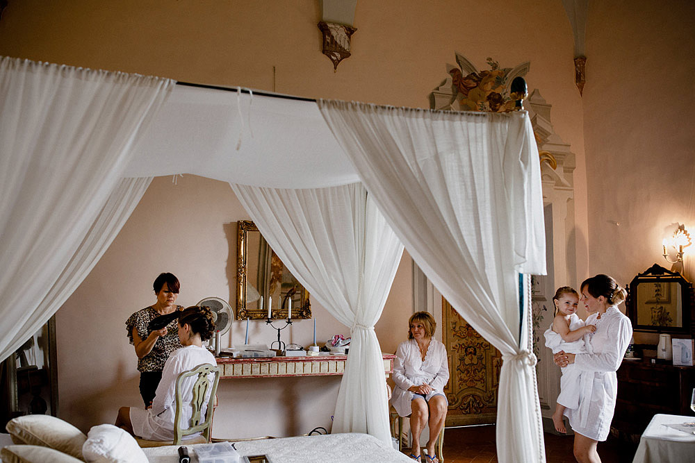 Matrimonio nel Chianti nell'incantevole atmosfera del Castello di Meleto :: Luxury wedding photography - 3