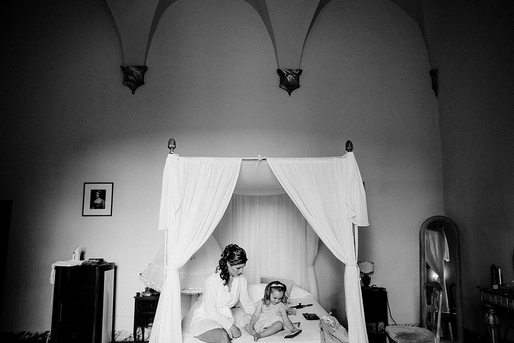 Matrimonio nel Chianti nell'incantevole atmosfera del Castello di Meleto :: Luxury wedding photography - 7