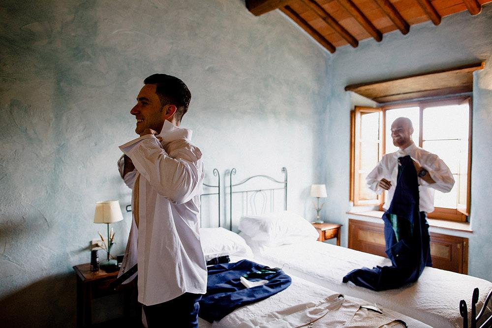 Matrimonio nel Chianti nell'incantevole atmosfera del Castello di Meleto :: Luxury wedding photography - 9
