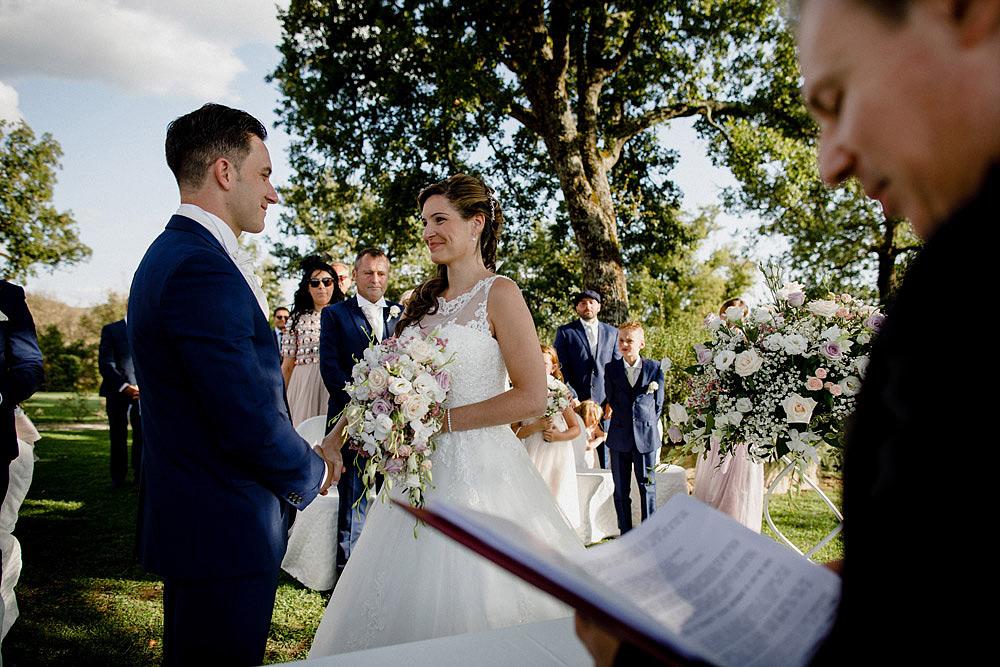 Matrimonio nel Chianti nell'incantevole atmosfera del Castello di Meleto :: Luxury wedding photography - 23