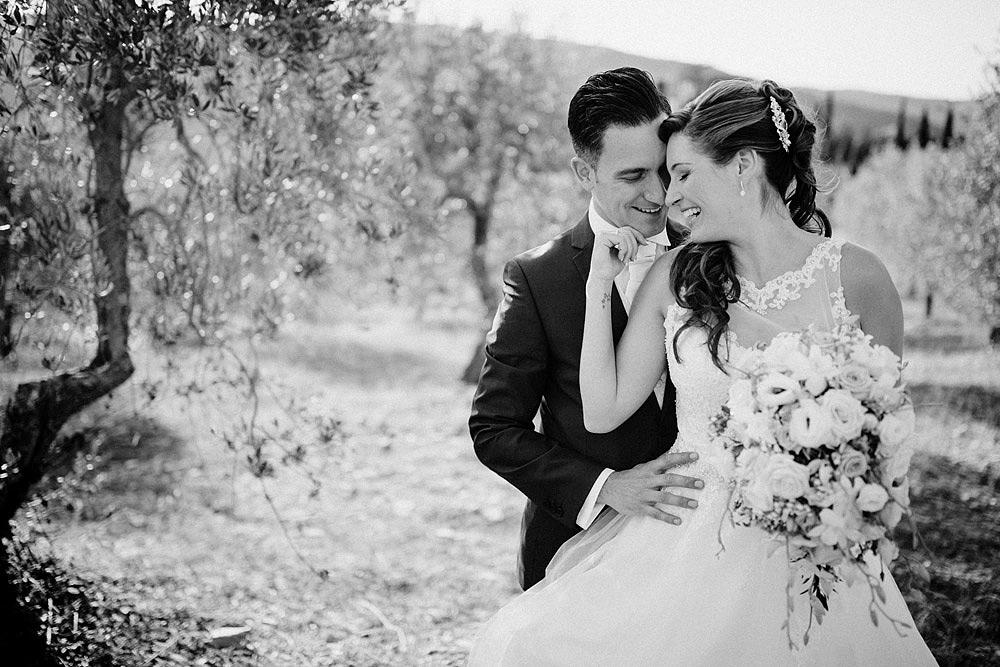 Matrimonio nel Chianti nell'incantevole atmosfera del Castello di Meleto :: Luxury wedding photography - 33