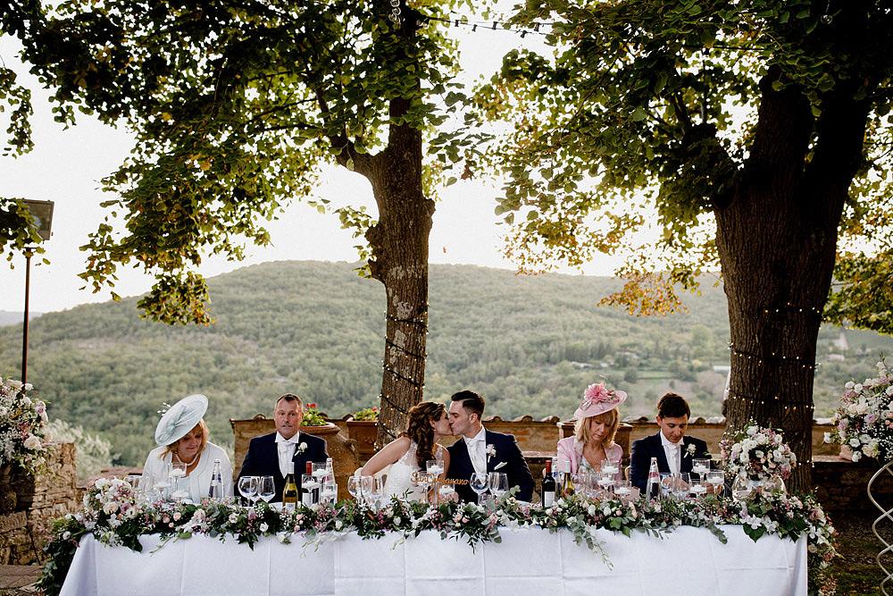 Matrimonio nel Chianti nell'incantevole atmosfera del Castello di Meleto :: Luxury wedding photography - 42