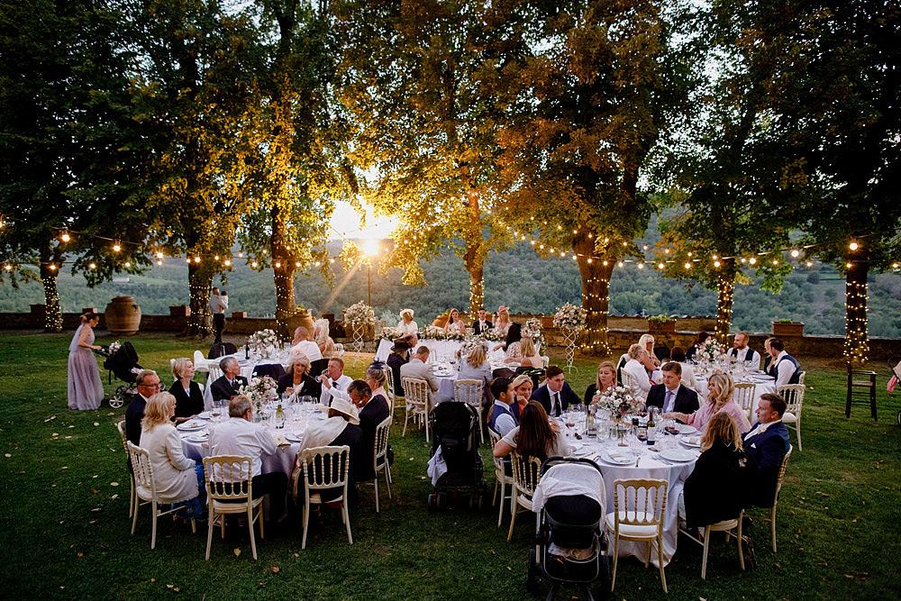 Matrimonio nel Chianti nell'incantevole atmosfera del Castello di Meleto :: Luxury wedding photography - 43