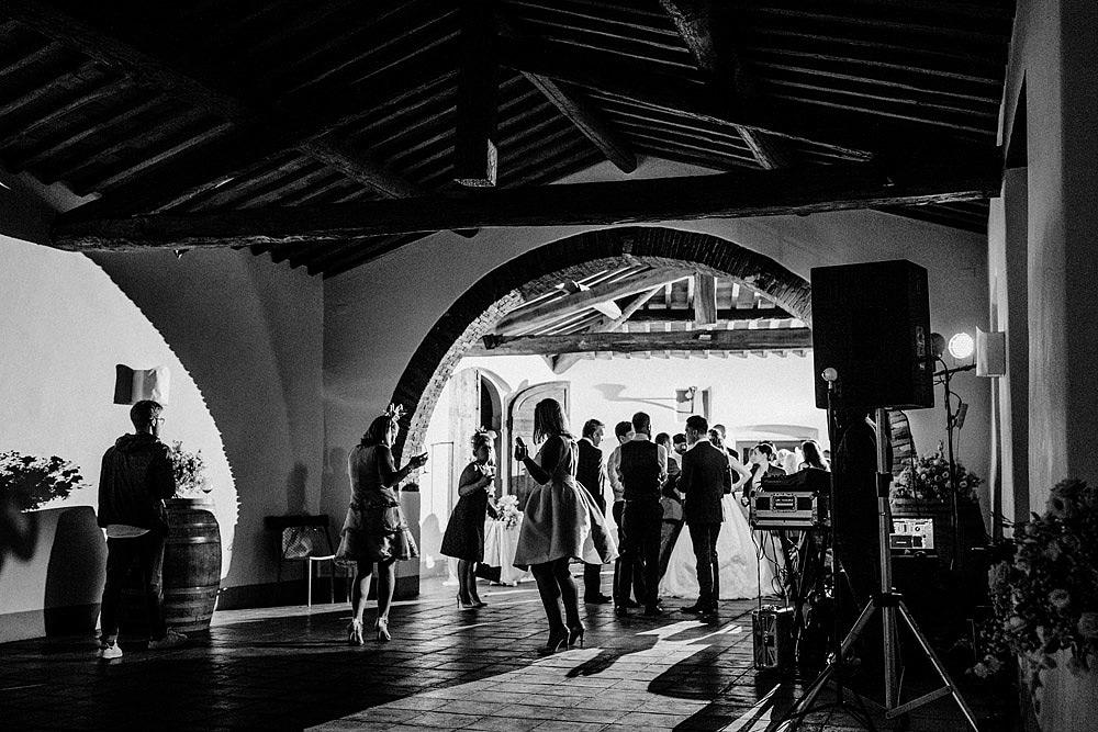 Matrimonio nel Chianti nell'incantevole atmosfera del Castello di Meleto :: Luxury wedding photography - 48