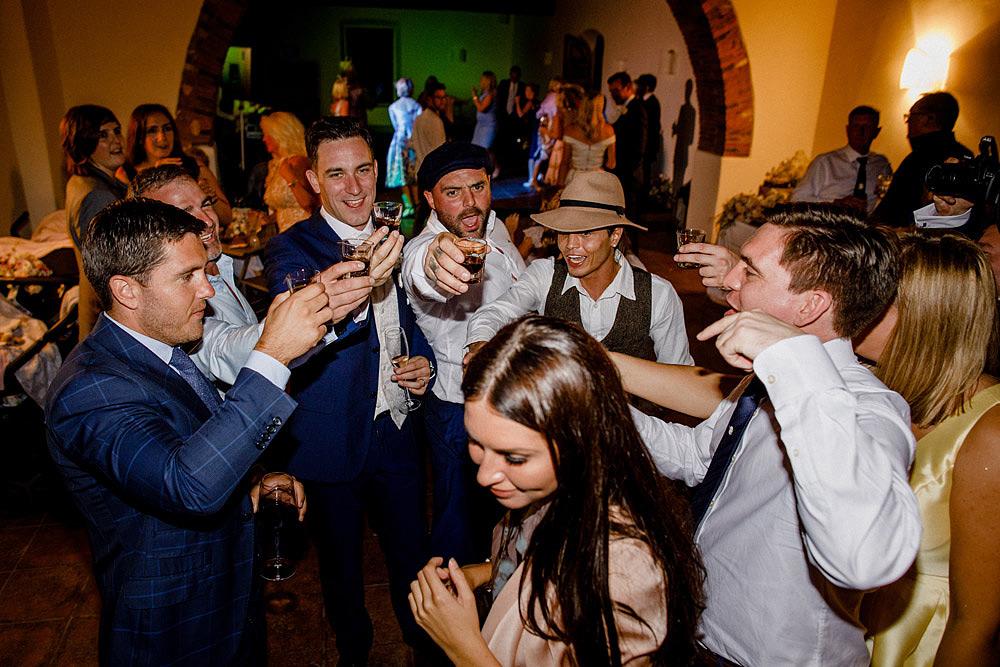 Matrimonio nel Chianti nell'incantevole atmosfera del Castello di Meleto :: Luxury wedding photography - 51
